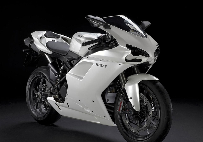 speedy bikes 2011 ducati sports bikes in the world. Black Bedroom Furniture Sets. Home Design Ideas
