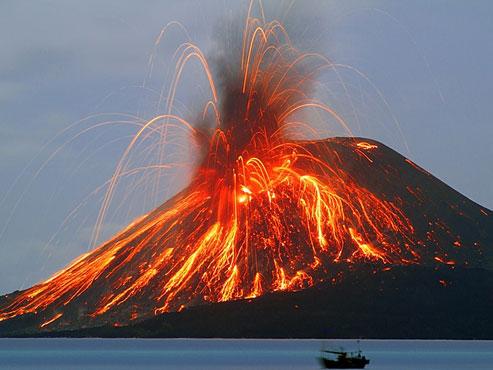 http://top-10-list.org/wp-content/uploads/2009/04/volcano-krakatoa.jpg