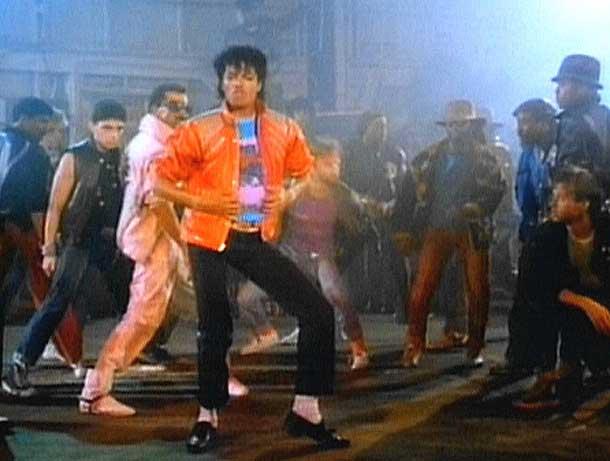 [Imagenes] La mejor vestimenta,atuendo de Michael.