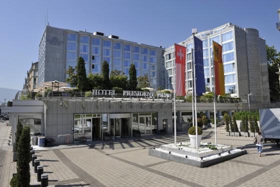 http://top-10-list.org/wp-content/uploads/2009/07/President-Wilson-Hotel-Geneva.jpg