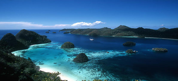 Raja-Ampats,-Indonesia