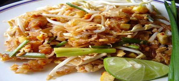 http://top-10-list.org/wp-content/uploads/2010/12/Pad-Thai-Or-Fried-Noodle.jpg