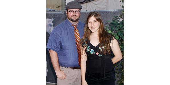 Michael Stone and Mayim Bialik