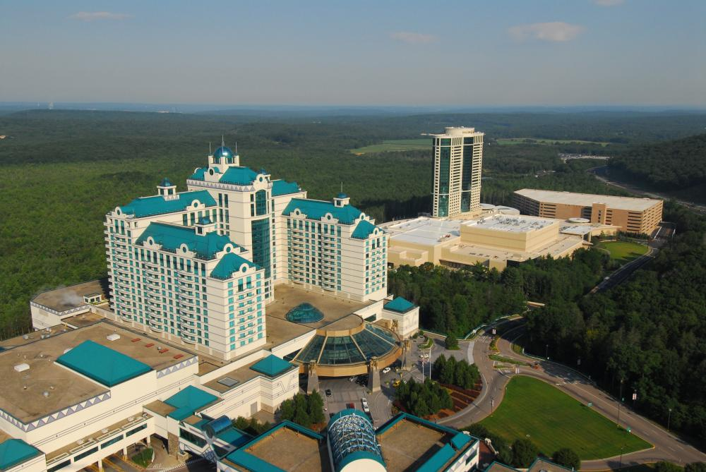 Foxwoods Resort Casino Introduction A sprawling entertainment resort on the Mashantucket Pequot Indian Reservation, the Foxwoods Resort Casino in eastern Connecticut is the largest casino in North America. It features 6 casinos, plus an award-winning golf course, shopping malls, and sports and entertainment venues.