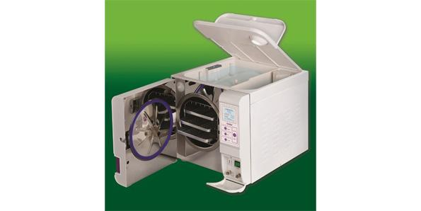 solar autoclave for sterilizing medical equipment