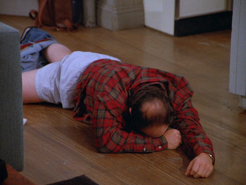 George Costanza forgets to pull up his pants