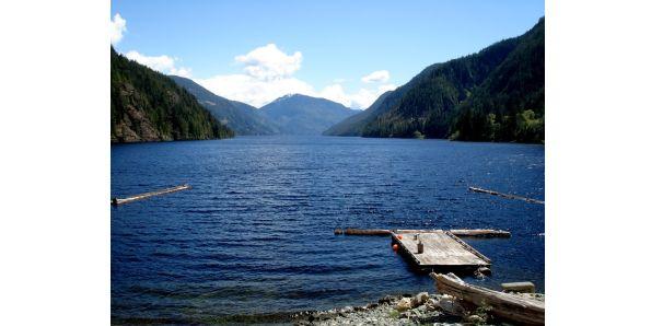 Henderson Lake, Columbia